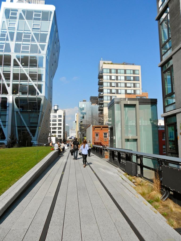 Walking the Highline - New York City - Rachel Quednau