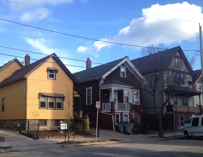 Milwaukee houses near brady street